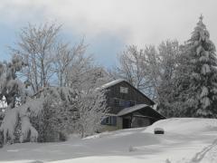 Bergbund Hütte im Winter